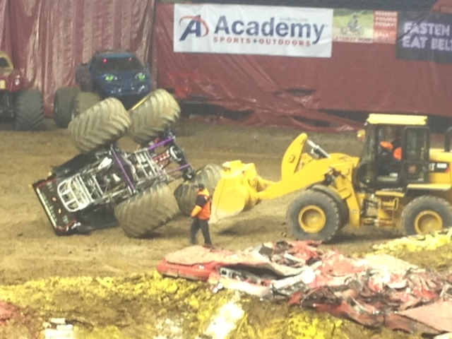 2013MonsterJamTruckOverturned